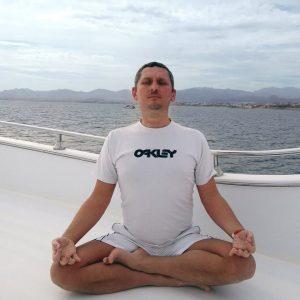 Инструктор йоги и медитации, консультант систем аюрведы - Александр Ерохин